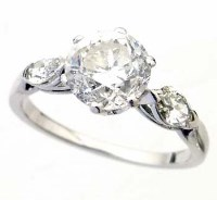380 - Brilliant cut diamond ring, 2.02ct, on marquise