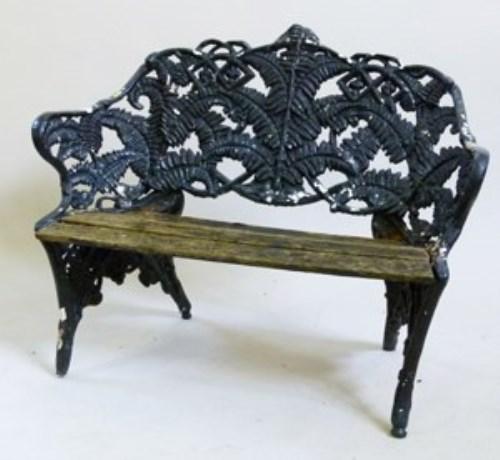 515 - Cast iron Coalbrookdale pattern fern leaf and blackberry garden bench