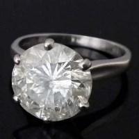 Lot 342-Single stone diamond ring, 11.71mm x  7.05mm