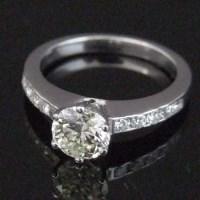 Lot 328-1.01ct diamond ring