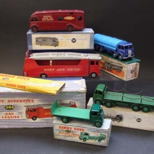 Lot 366-Five boxed dinky vehicles.