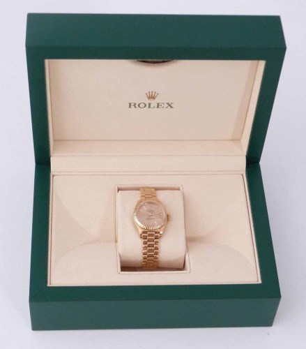 Lot 395-A lady's Rolex oyster perpetual date just, yellow