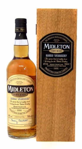 Lot 42-Midleton 1991 boxed whiskey.