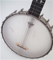 Lot 16-S.S. Stewart Universal Favorite five string banjo